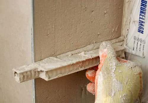 Как заделать дверной косяк
